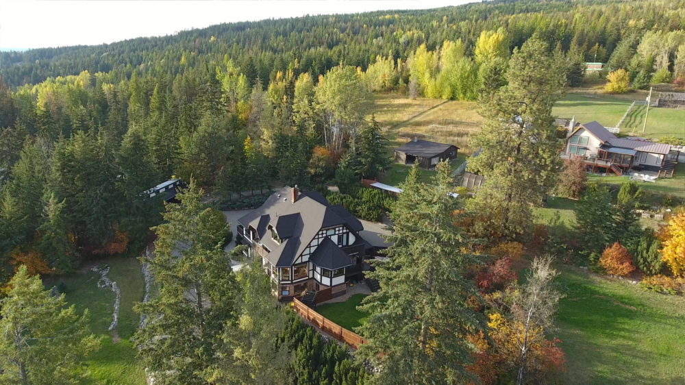 Castle on the Mountain - Bed & Breakfast and Cottage Accomodations Vernon BC - Gallery 16