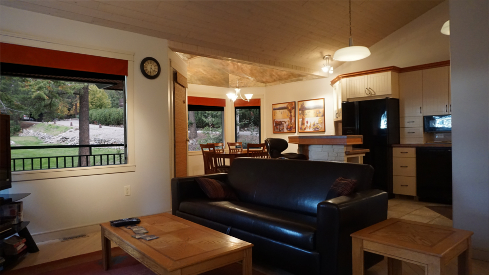 Castle on the Mountain - Bed & Breakfast and Cottage Accomodations Vernon BC - Gallery 2