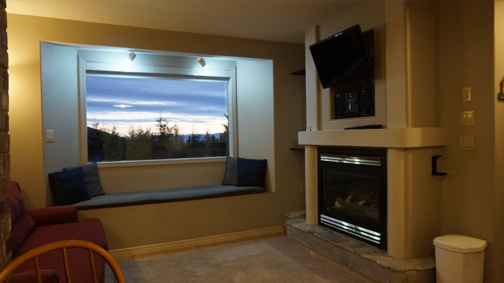 Castle on the Mountain - Bed & Breakfast and Cottage Accomodations Vernon BC - Gallery 7