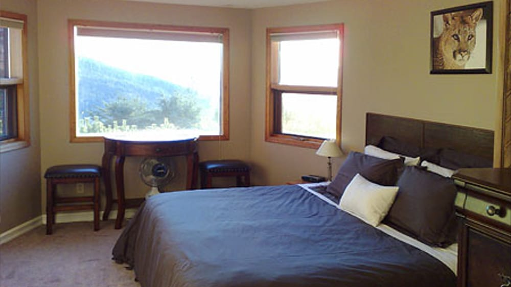 Castle on the Mountain - Bed & Breakfast and Cottage Accomodations Vernon BC - The Bastion Room