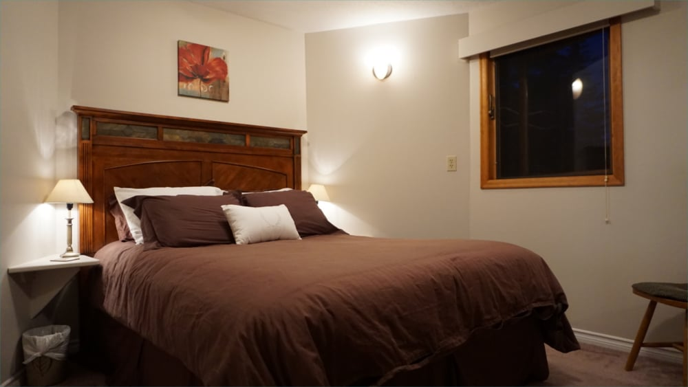 Castle on the Mountain - Bed & Breakfast and Cottage Accomodations Vernon BC - The Brattice Room - 1